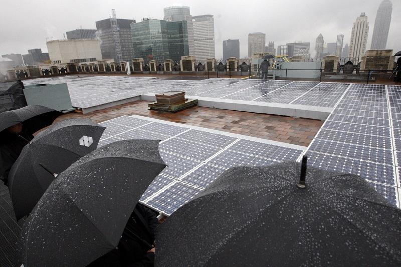 ساخت سلول خورشیدی که از قطره های باران انرژی می گیرد