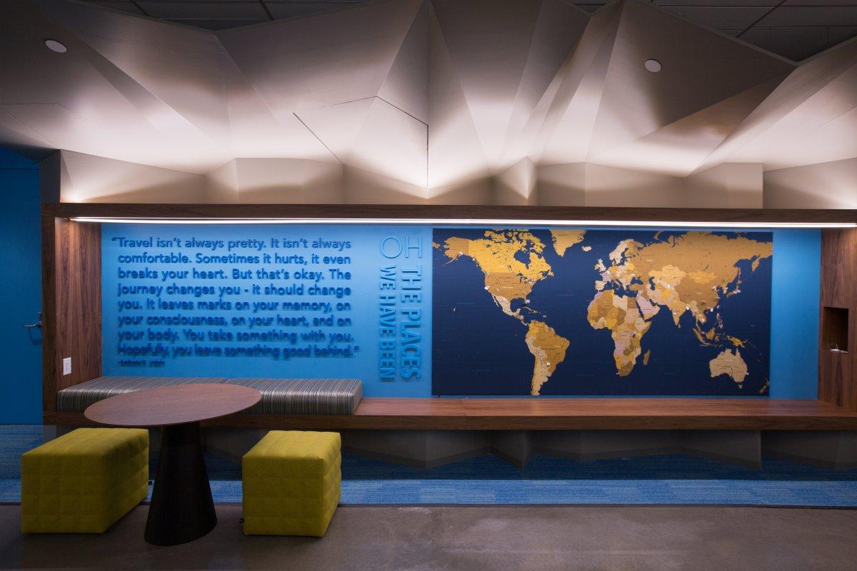 در این قسمت یک نقشه قرار داده شده که کارکنان این کمپانی را دعوت می کند تا جاهایی که مسافرت کرده اند، جایی که متولد شده اند و .. را بر روی آن به اشتراک بگذارند.