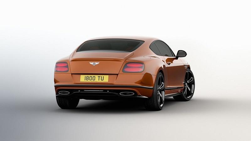 بنتلی کانتیننتال جی تی با موتور بزرگ W12 می تواند قدرت موتور 633 اسب بخار و گشتاور زیادی را ایجاد کند.