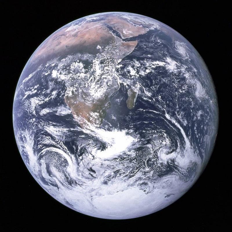 رنگ آبی کره ی زمین به یافتن موجودات فضایی کمک می کند