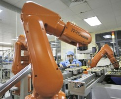 foxconn-replaces-60000-humans-workers-with-robots