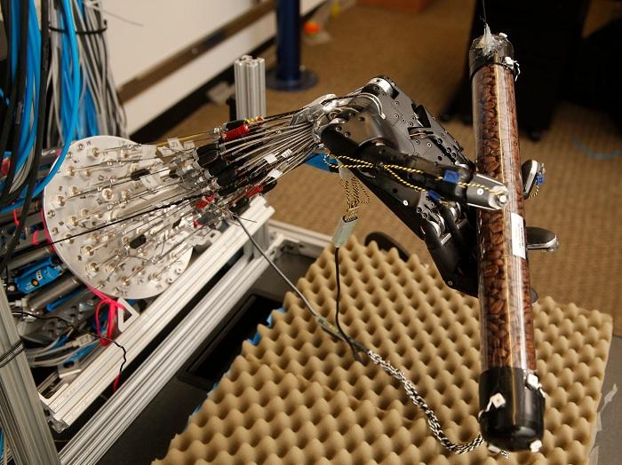 دست رباتیکی بسیار نزدیک به دست انسان تولید شد