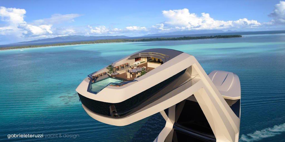 اگر این قایق لوکس ساخته شود، عرشه ی اصلی آن شامل صندلی های حمام آفتاب خواهد بود و آب استخر هم از به شکل آبشار گونه از عرشه ی بالایی به سمت پایین سرازیر می شود