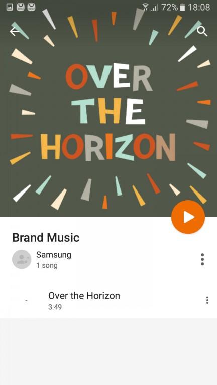 رابط کاربری این اپلیکیشن پخش موسیقی بسیار تر و تمیز بوده و اکثر عملکردهای آن از طریق صفحه موسیقیِ در حال پخش، در دسترس است.