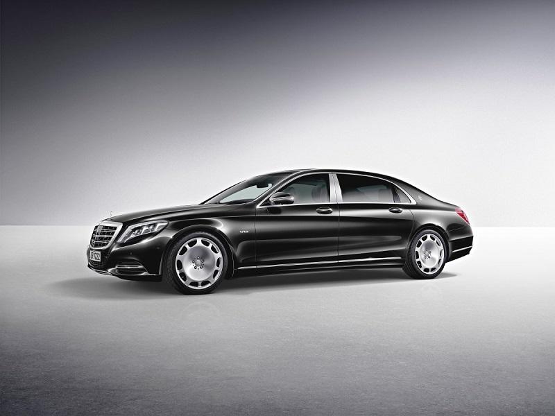 8. همانطور که از ظاهر این ماشین بر می آید، Mercedes-Maybach S-Class Pullman، فضای داخلی زیادی را برای راحتی پاها در نظر دارد؛ اما برای در اختیار داشتن آن باید 567000 دلار پرداخت کنید.