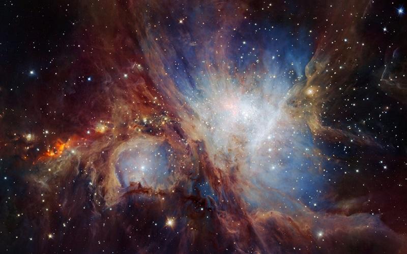 این تصویر فوق العاده از ناحیه ی شکل گیری ستاره ها در ابر سحابی صورت فلکی اوریون، با استفاده از ابزار مادون قرمز HAWK-1 که در تلسکوپ VLT شیلی تعبیه شده، به دست آمده است.