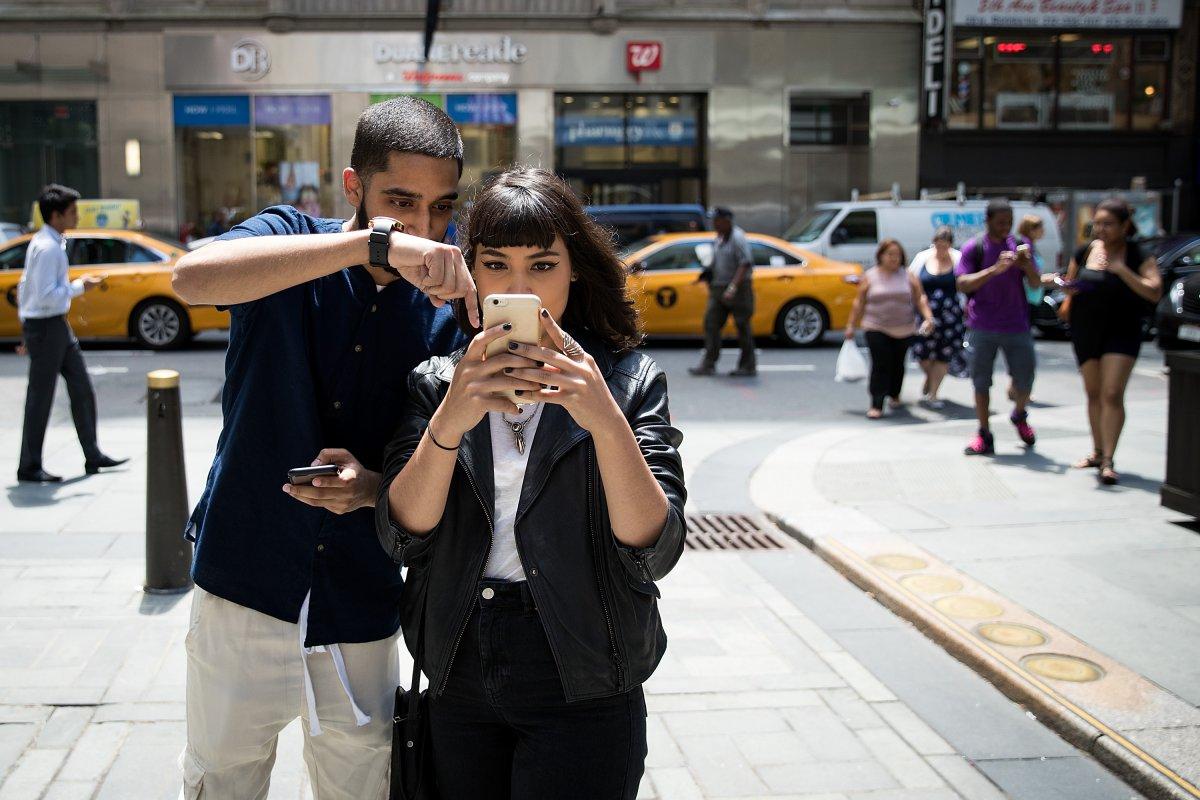 """نیانتیک در اواخر سال 2015 و کمی قبل از انتشار بازی پوکمون گو ، از گوگل جدا شد. جان هنکه اخیرا به خبرنگار وبسایت بیزنش اینسایدر گفته است که طراحی بازی پوکمون گو با هدف ایجاد تحرک در مردم، """"تماشای جهان از زاویه ی جدید"""" و برقراری ارتباط بیشتر با اطرافیان برای داشتن ماجراجویی بیشتر انجام شده است."""