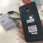 در تصویر مشاهده می کنید که این گوشی از یک اتصال دهنده برخوردار شده است، این بدان معناست که گوشی نامبرده با Moto Mods همراه خواهد بود.