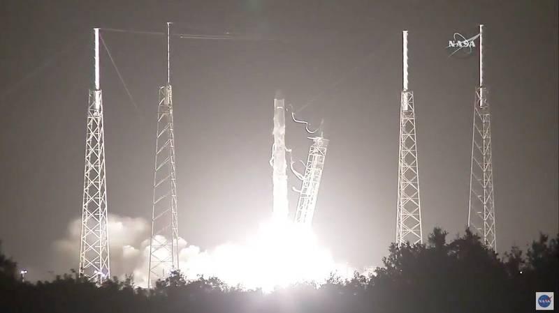 آژانس فضایی ناسا اخیرا یک ترتیب سنج DNA را به ایستگاه فضایی بین المللی ارسال کرده که خود را برای اجرای اولین ترتیب سنجی DNA آماده می کند.