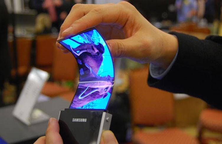 گوشی های هوشمند تاشوی سامسونگ سال آینده عرضه نمی شوند