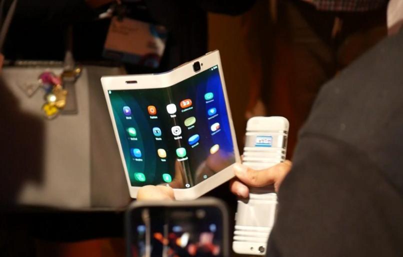 گوشی های انعطاف پذیر لنوو در کنفرانس IFA برلین رونمایی خواهند شد