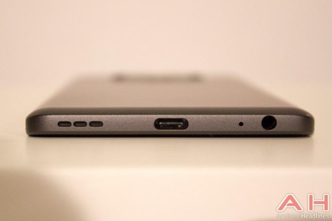 گوشی هوشمند LG V20 رسما توسط کمپانی ال جی رونمایی شد.