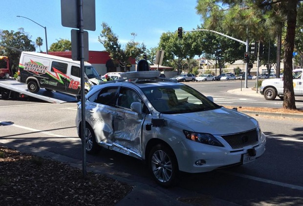خودروی بدون راننده گوگل قربانی یک تصاف جدی دیگر شد
