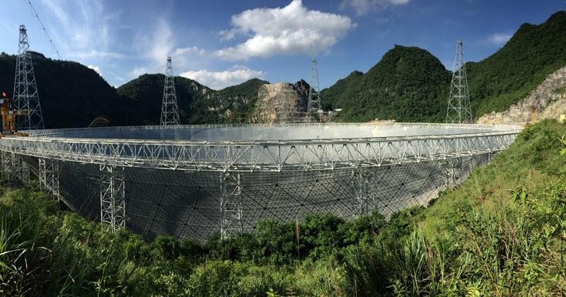 نمای تلسکوپ از کنار