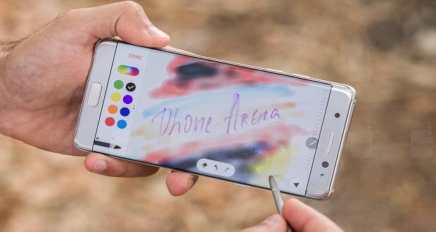 بسیاری از دارندگان گوشیهای نوت 7 از شرکت سامسونگ شکایت کردند