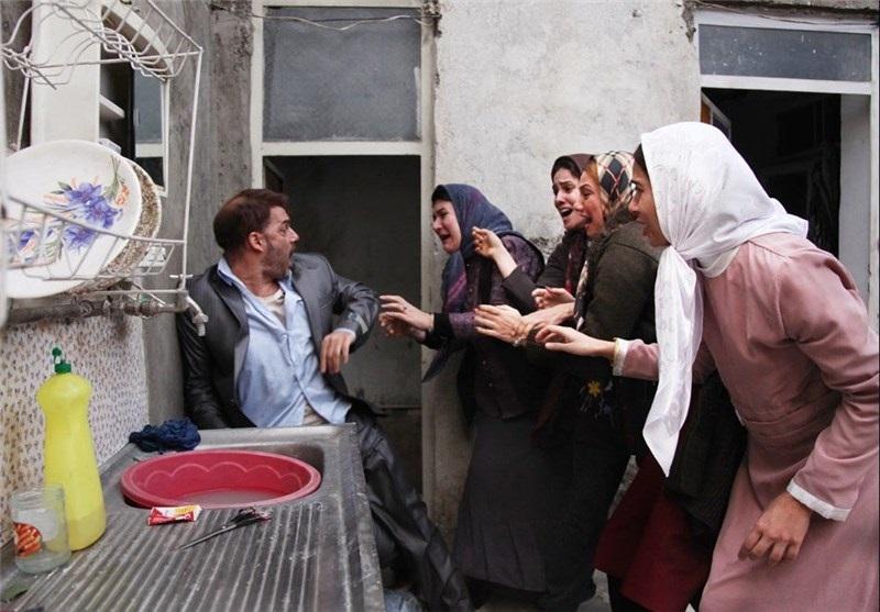 جریان فیلم فارسی در سینمای اجتماعی ایران پس از انقلاب - پیمان معادی در صحنه ای از فیلم ابد و یک روز