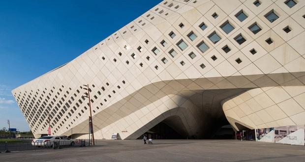 مرکز فرهنگی بین المللی جوانان نانجینگ اثر زاها حدید به زودی تکمیل می شود