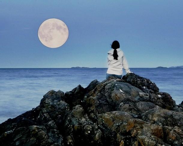 ماه کامل با بی خوابی مرتبط است