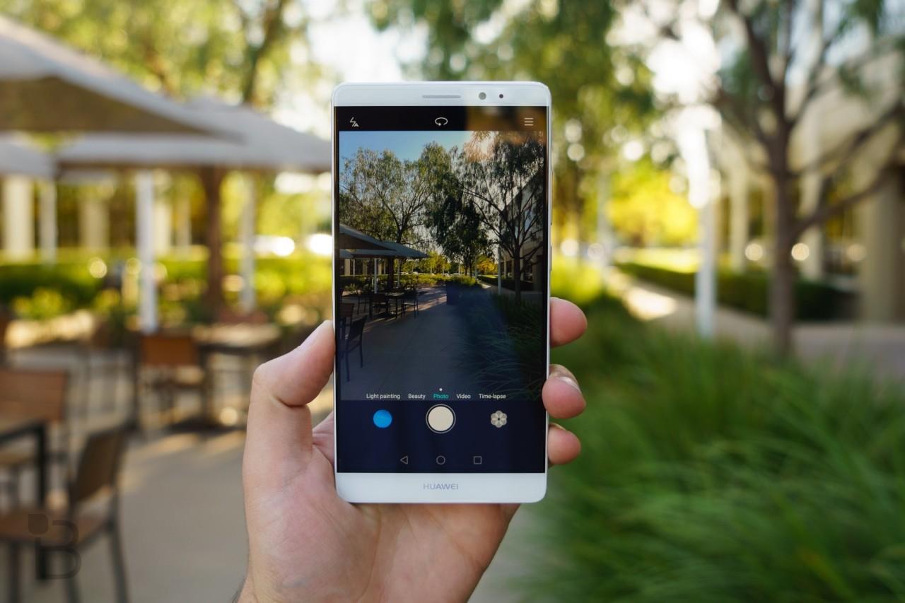 گوشی میت 9 از شرکت هواوی یک اسمارت فون پرچمدار و قدرتمند است. اما چرا باید گوشی میت 9 را خرید؟ در ادامه به معرفی بهترین نکات میت 9 میپردازیم.