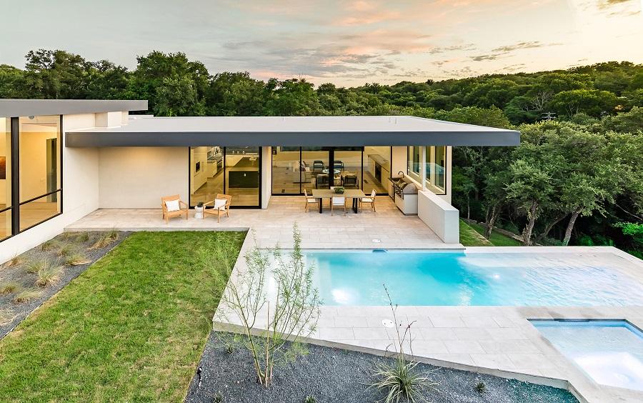 خانه کروشه ای به دو قسمت تقسیم شده است