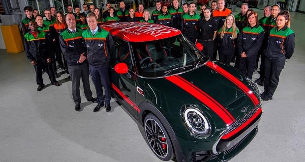 شرکت مینی کوپر تولید سه میلیون اُمین خودروی خود را جشن گرفت