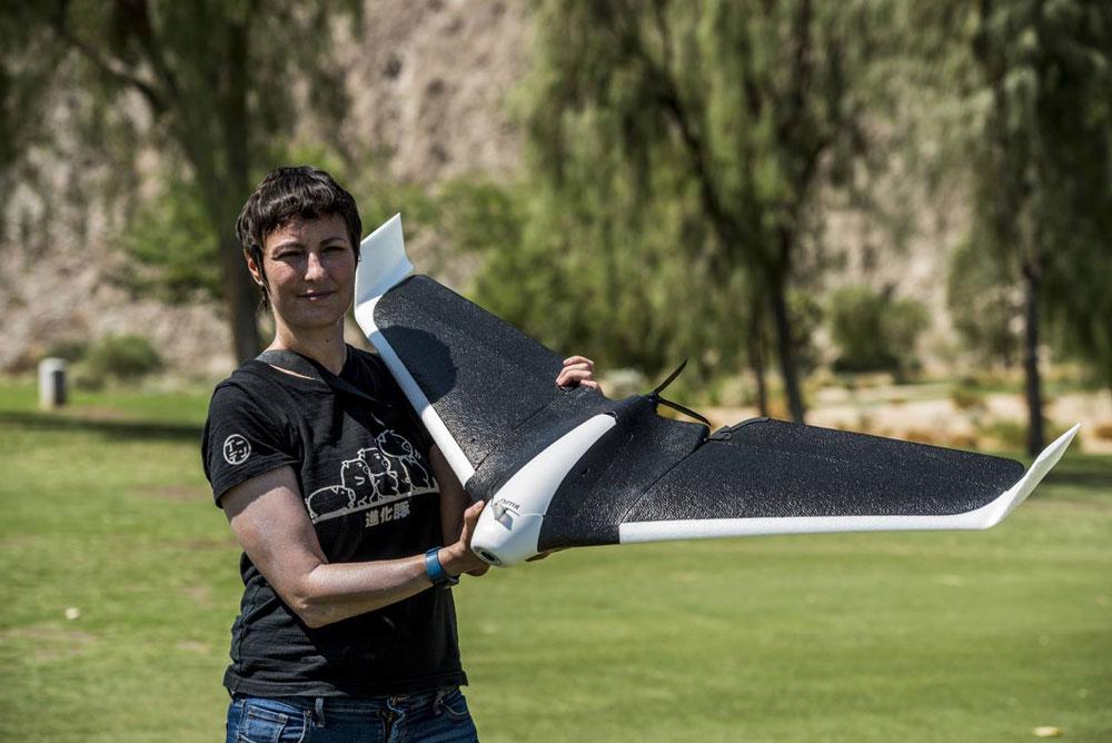eliane-fiolet-parrot-disco-drone