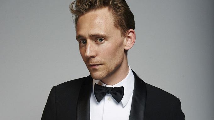 تام هیدلستون برای سریال مدیر شب برنده جایزه گلدن گلوب 2017 شد