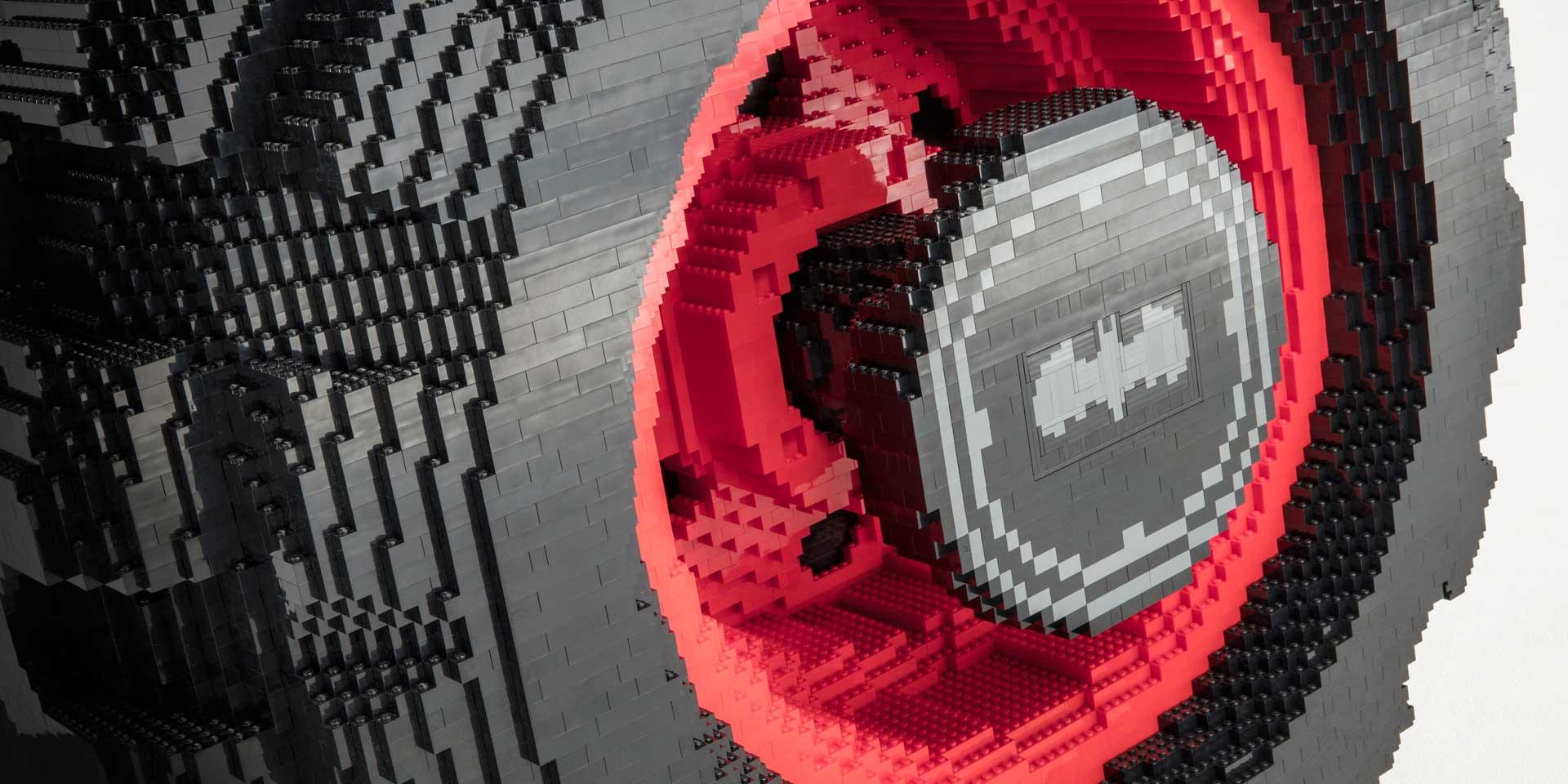 بت موبیل ساخته شده توسط آخرهای بازی شرکت لگو