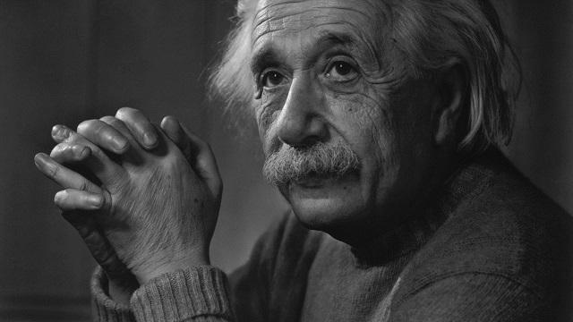 آلبرت انیشتین | Albert Einstein؛ فیزیکدان
