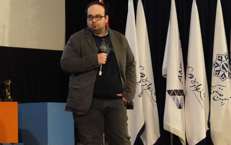 بالاخره مراسم اختتامیه جشنواره وب و موبایل ایران با اهدای تندیس به بهترین های وب و اپلیکیشن های موبایل ایران به پایان رسید.