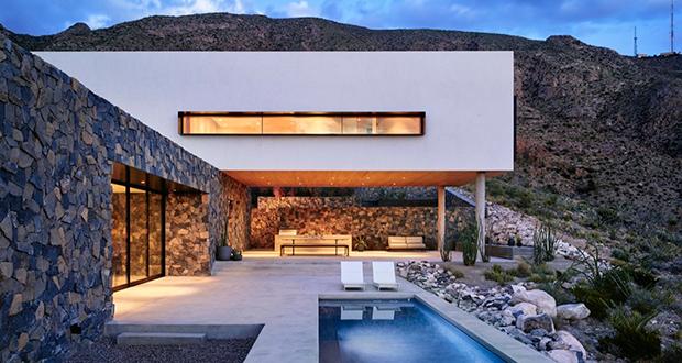 معماری خانهای مدرن در کوهستان فرانکلین شهر ال پاسو تگزاس
