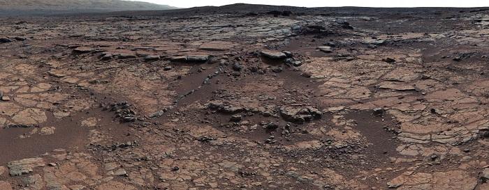 این عکس موزاییکی که توسط دوربین تله فوتوی کاوشگر کریاسیتی به ثبت رسیده است، شواهدی از وجود دریاچه باستانی و جریانهای آب در مریخ را نشان میدهد.