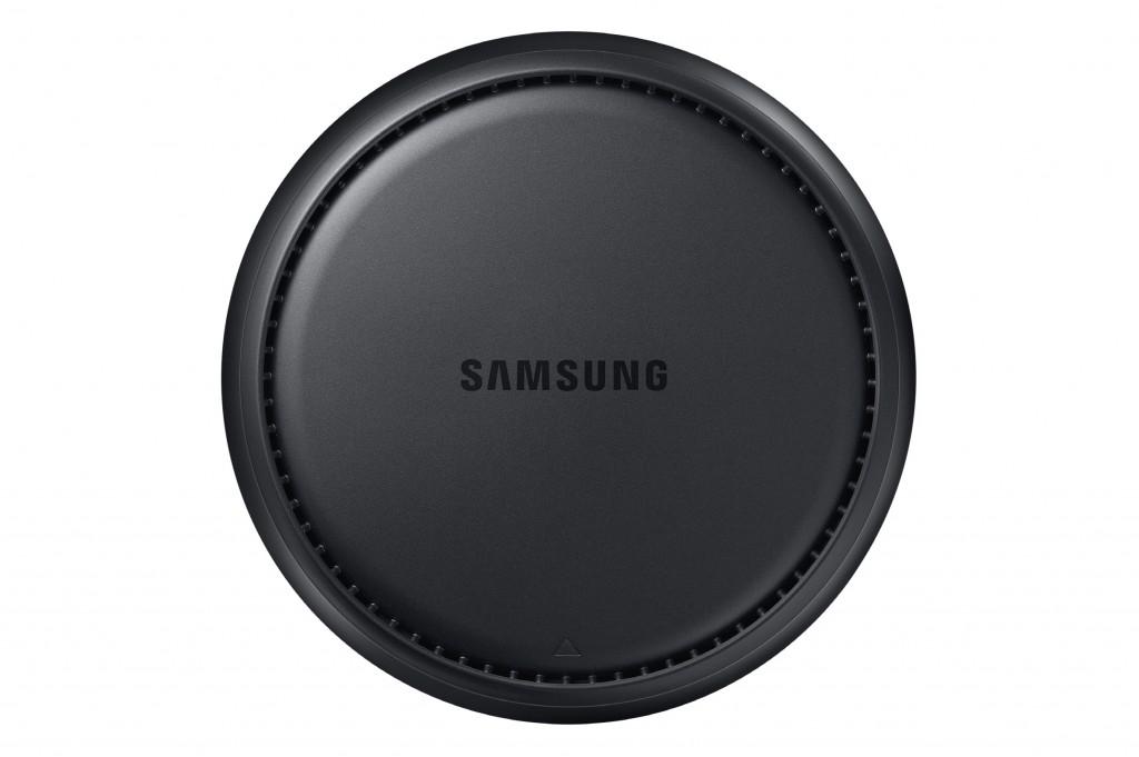شرکت سامسونگ از داک داک Samsung DeX به عنوان یک رابط بین گوشی گلکسی S8 و گلکسی S8 پلاس با یک سیستم دسکتاپ رونمایی کرده است.