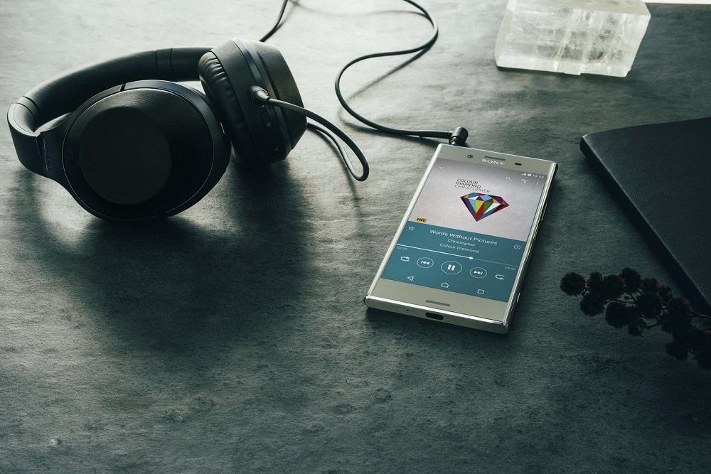 گوشی اکسپریا XZ Premium، پرچمدار سال 2017 شرکت ژاپنی سونی توانسته است تا جایزه بهترین گوشی معرفی شده در نمایشگاه MWC 2017 را به خود اختصاص دهد.