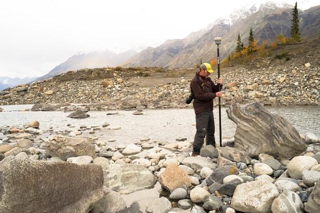 رودخانه اسلیمز که از یخچال طبیعی کسکاولش کانادا تغذیه می کرد، تنها در عرض چهار روز ناپدید شد