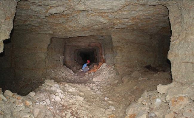 این مقبره در گورستان باستانی ذراع ابو النجا در نزدیکی دره پادشاهان قرار داشته است. باستان شناسان برای کشف این مقبره باستانی 450 متر مکعب از این محل خاک برداری کرده اند