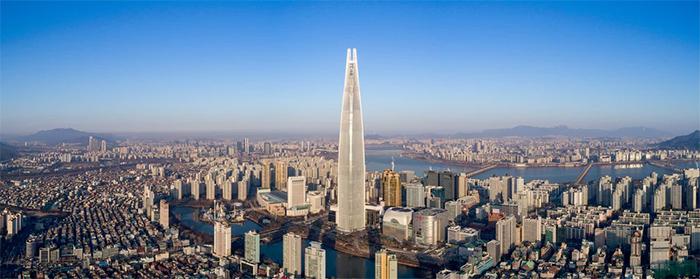 نمای ساختمان در شهر