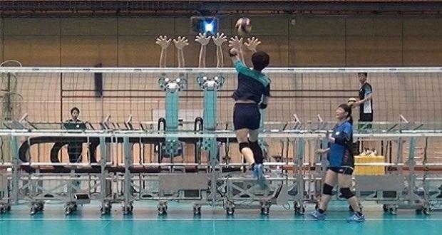 والیبالیست های ژاپنی از ربات برای آماده سازی خود استفاده می کنند!
