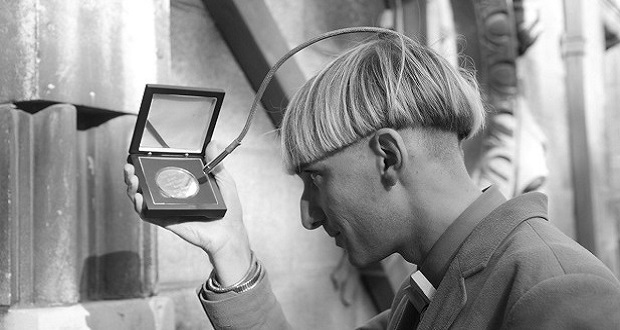 هنرمند کور رنگی که به اولین سایبورگ جهان بدل شد