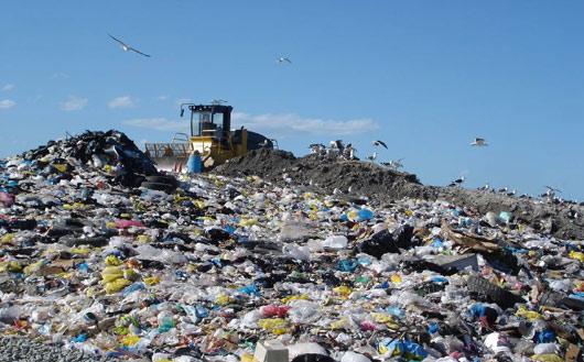 محققان می گویند، به دنبال راهکارهایی برای پیاده سازی این کشف هستند تا مسئله تجمع زباله های پلاستیکی را از بین ببرند