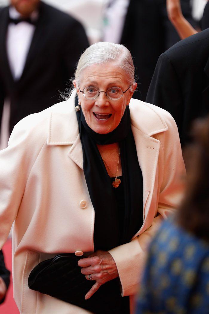 ونسا ردگریو که اولین کارش یعنی فیلم غم دریا در برنامه نمایش ویژه حضور دارد، در اولین نمایش فیلم بی عشق