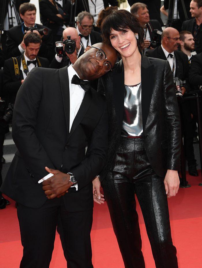 بری جنکینز، کارگردان فیلم مهتاب در چپ، و بازیگر فرانسوی کلوتید امه در نمایش توئین پیکس