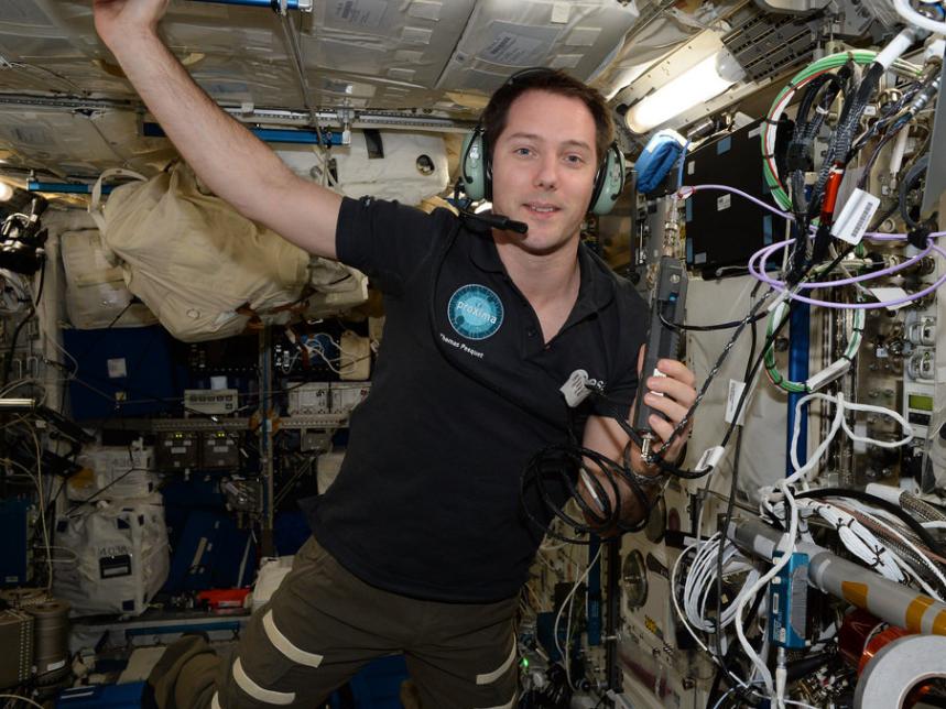 """""""استفاده از رادیوی ایستگاه فضایی برای برقراری ارتباط با دانش آموزان مدرسه"""""""
