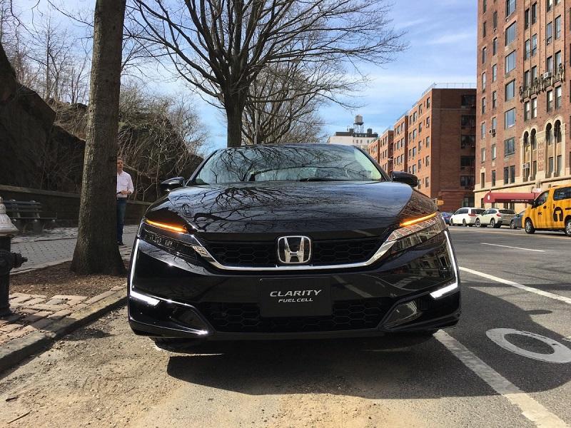 هوندا و جنرال موتورز مبلغ 85 میلیون دلار برای تولید عمده خودروهای هیدروژنی سرمایه گذاری کرده اند که از سال 2020 آغاز می شود. هوندا در حال حاضر با قانون گذاران نورث ایست مذاکره می کند تا این خودرو را به جاده های نیویورک و کانتیکت وارد کند.
