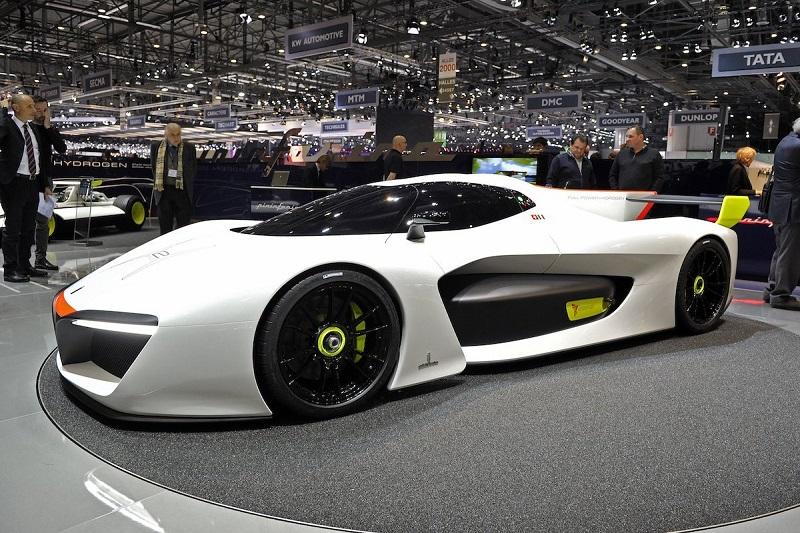 12. خانه طراحی ایتالیایی Pininfarina تولید محدودی از خودرو هیدروژنی خود به نام H2 Speed را در دست اجرا دارد. این خودرو می تواند سرعت صفر تا صد را در عرض 3.4 ثانیه به دست آورد.