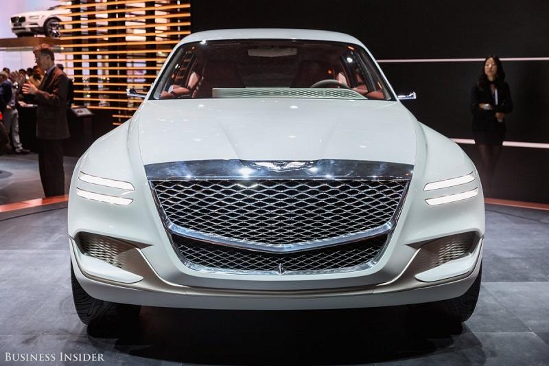 برند لوکس هیوندای، یعنی جنسیس نیز از خودرو هیدروژنی خیره کننده خود به نام GV80 در نمایشگاه خودرو نیویورک رونمایی کرد. این خودرو اس یو وی هرگز به تولید عمده نمی رسد.