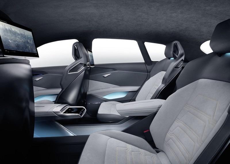 هنوز مشخص نیست که آیا این خودرو به تولید عمده می رسد یا خیر؛ اما آئودی همچنان به فعالیت های خود در این زمینه ادامه می دهد.