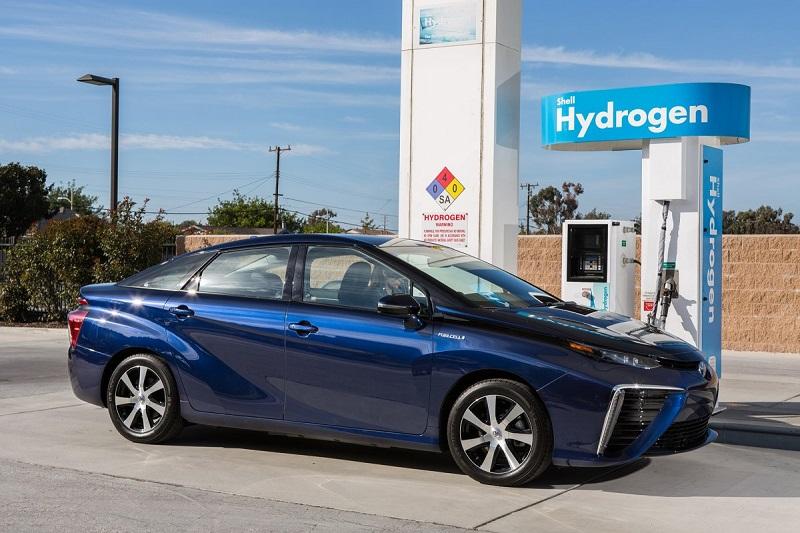 سازمان حفاظت از محیط زیست، محدوده مسافتی میرای را 312 مایل (502 کیلومتر) برآورد کرده و مدت زمان شارژ آن تنها 5 دقیقه است.