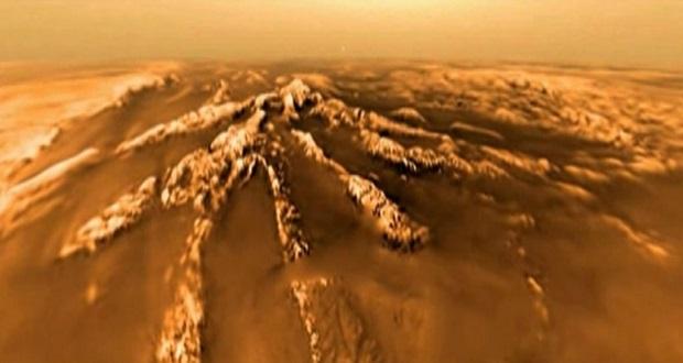 دانشمندان توضیحی برای عوارض مرموز قمر تیتان ندارند!