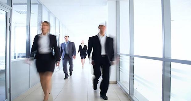 عادت عجله کردن در محیط کار وجهه شما به عنوان رهبر را خراب میکند